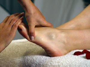 Fußreflexzonentherapie: Reizung der Nervenendpunkte