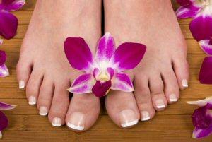 Pediküre: Pflege der Nägel und Ausbildung zum Fußpfleger