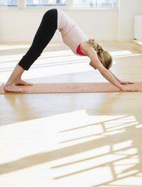 Stretching: dynamische und statische Übungen