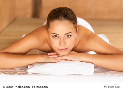 Ob traditionell finnische Tuli-Sauna oder Schwitzzelt der Indianer. Saunieren ist gesund und sorgt für Entspannung im Alltag