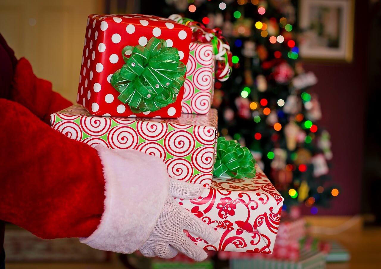 Weihnachtszeit, Geschenkezeit – so sorgen Sie mit der passenden Verpackung für besondere Momente