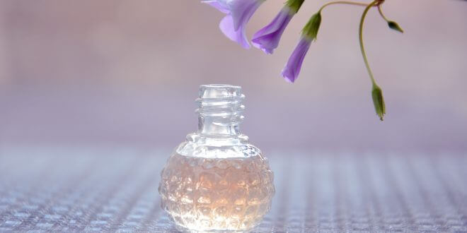 Ein Parfum richtig auftragen