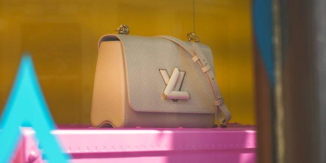 Die Antwort auf zerstörte Schmink-Essentials in der eigenen Handtasche